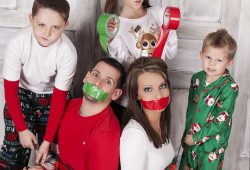10 Fabulous Unique Family Christmas Photo Ideas