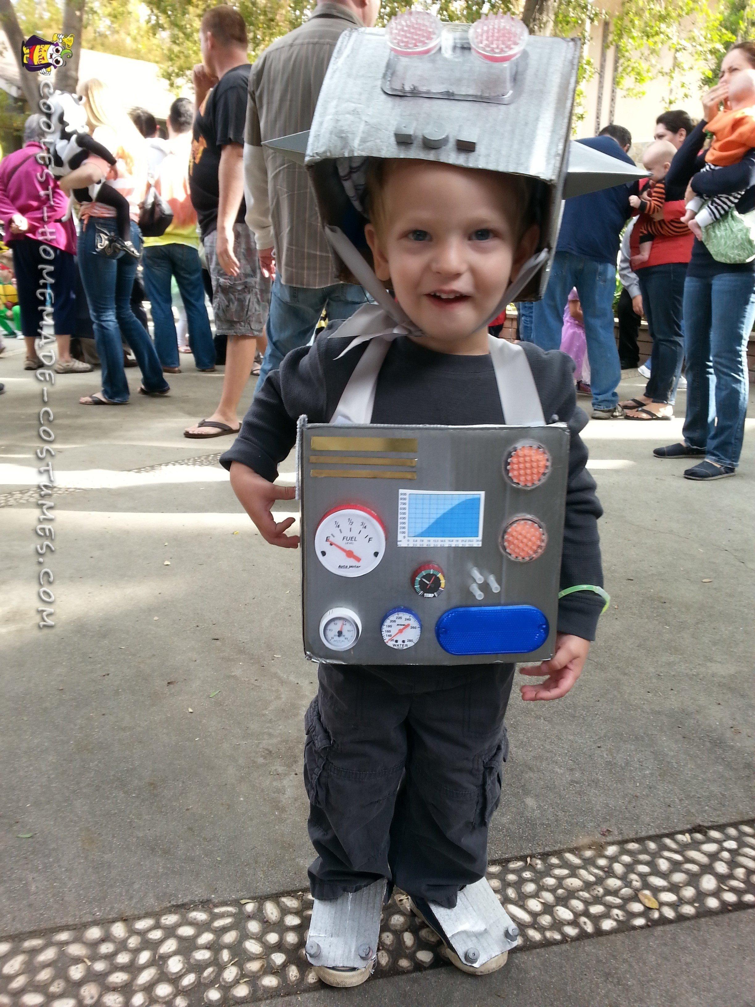 10 Stylish Homemade Costume Ideas For Boys l bot robot costume for toddler boy robot costumes homemade 2020