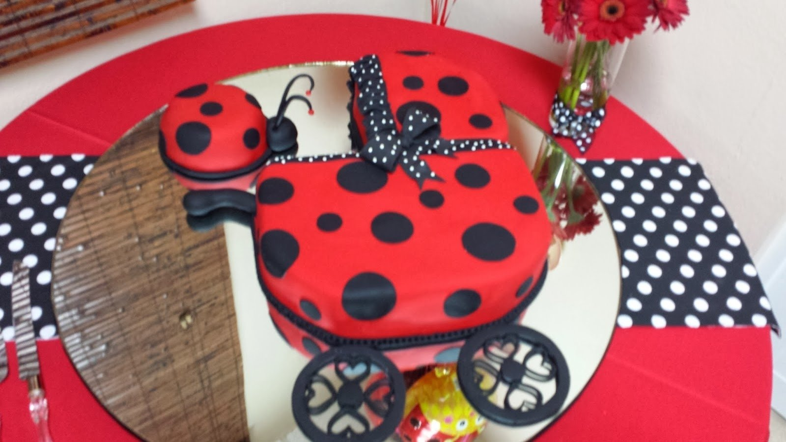 10 Attractive Lady Bug Baby Shower Ideas lady bug baby shower themes baby shower invitations