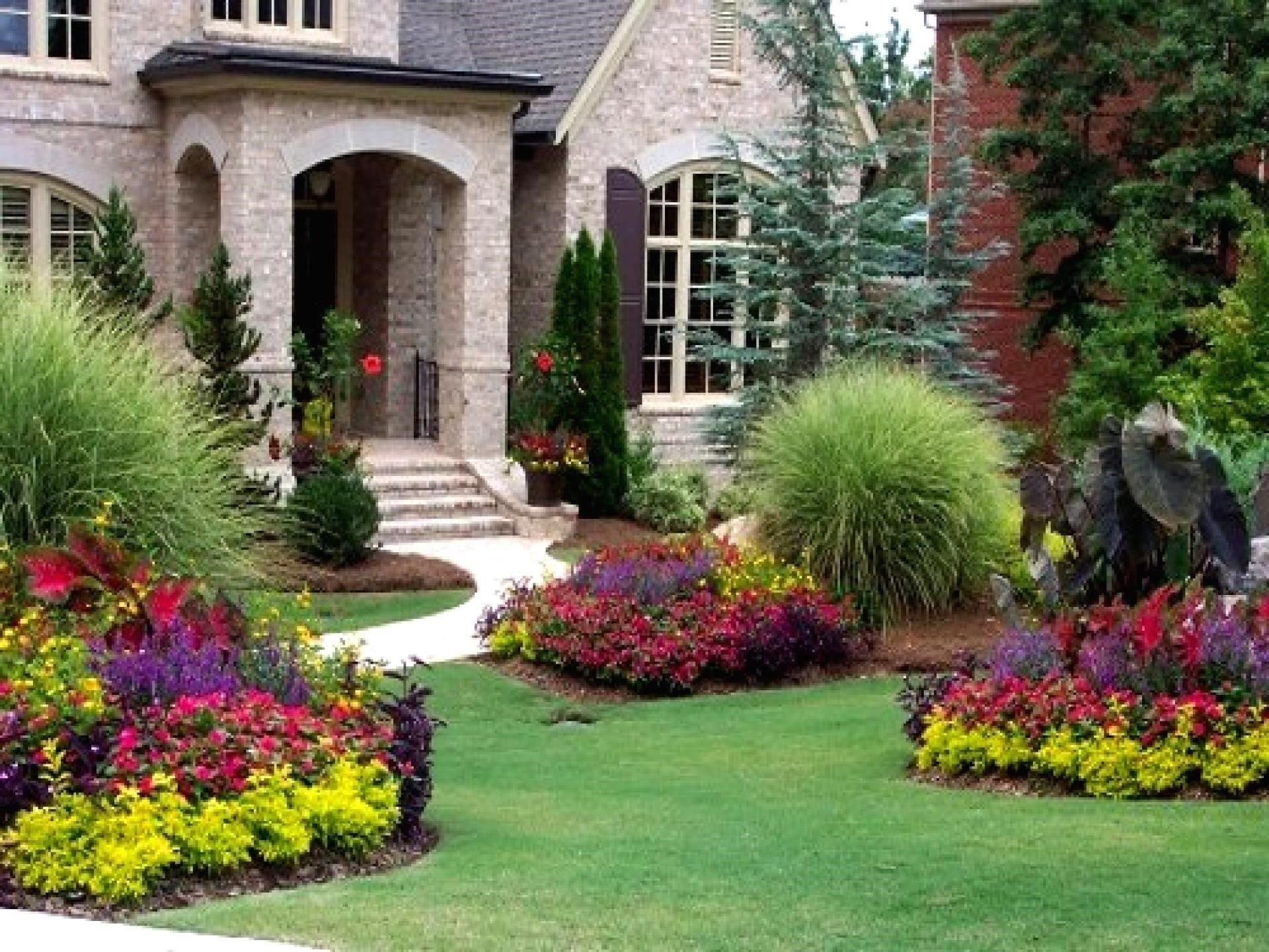 10 Lovable Front Of The House Landscaping Ideas landscaping ideas for front of house home plans 2020