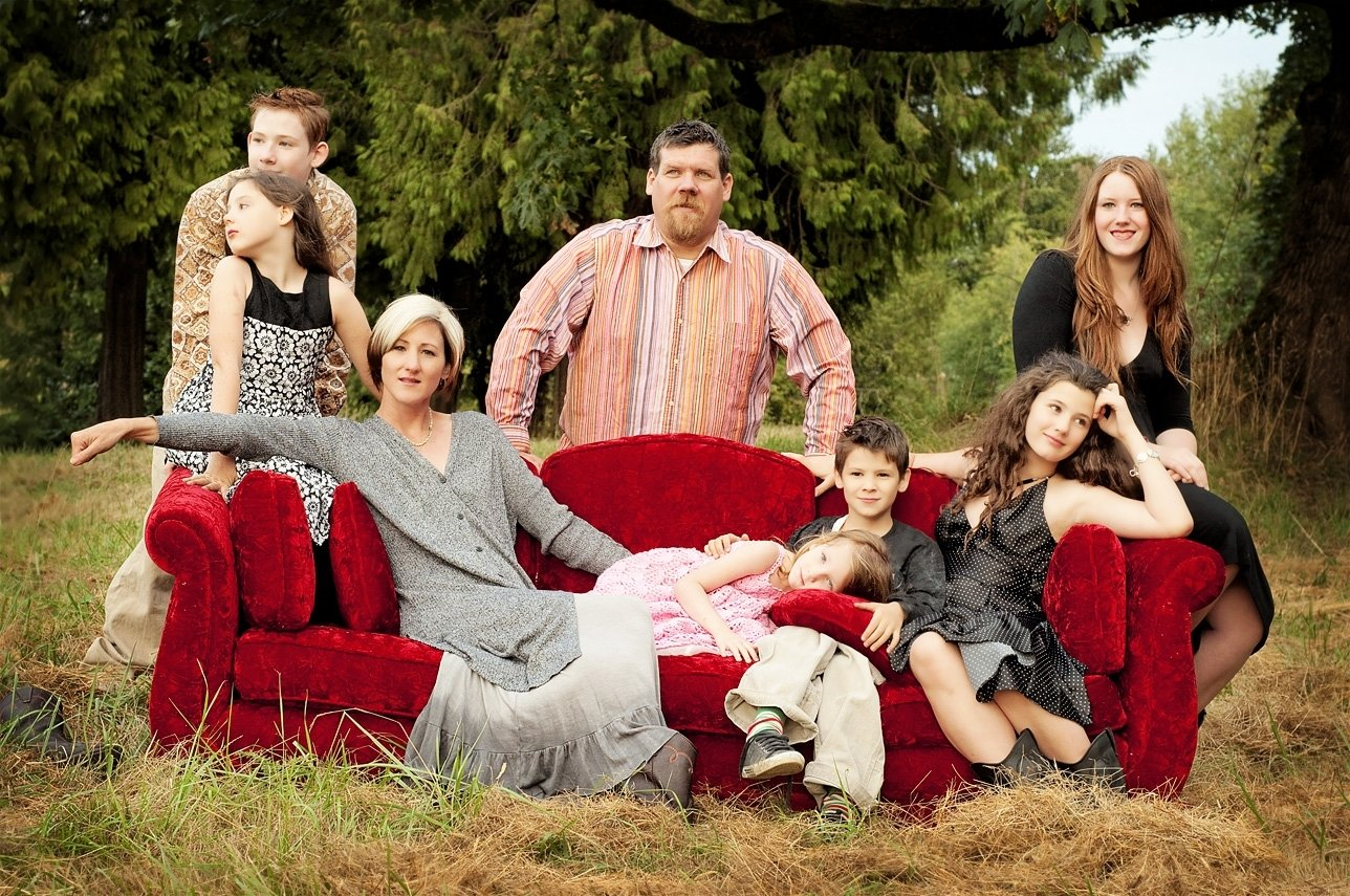 10 Unique Funny Family Christmas Picture Ideas large family photo ideas sasse family large family photography 1 2021
