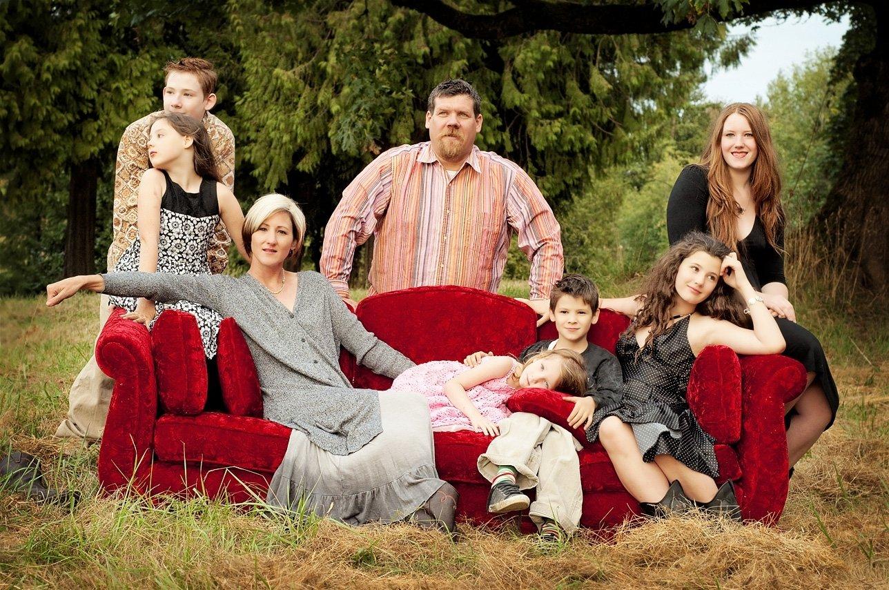 10 Fabulous Unique Family Christmas Photo Ideas large family photo ideas sasse family large family photography