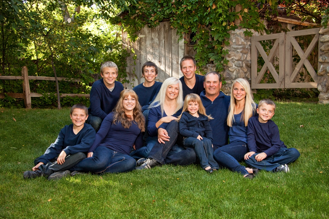 large family photos clothing ideas | scott hancock photography
