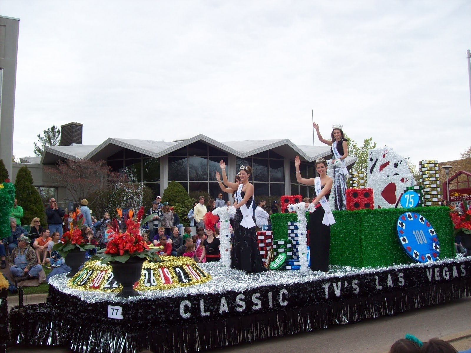 10 Gorgeous High School Homecoming Float Ideas las vegas themed parade floats bridgman high school ap english 2021