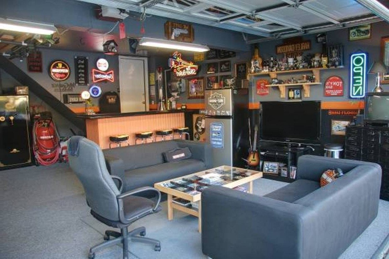 10 Perfect Man Cave Ideas For A Small Room last chance man cave ideas for a small room black leather home 1 2021