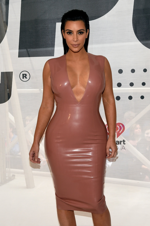 10 Unique Kim Kardashian Halloween Costume Ideas last minute kim kardashian halloween costume ideas that will make 2020