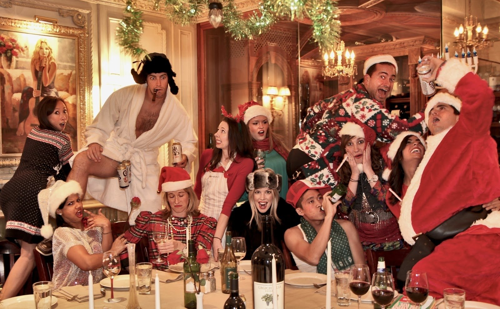 10 Attractive Christmas Photo Ideas For Couples