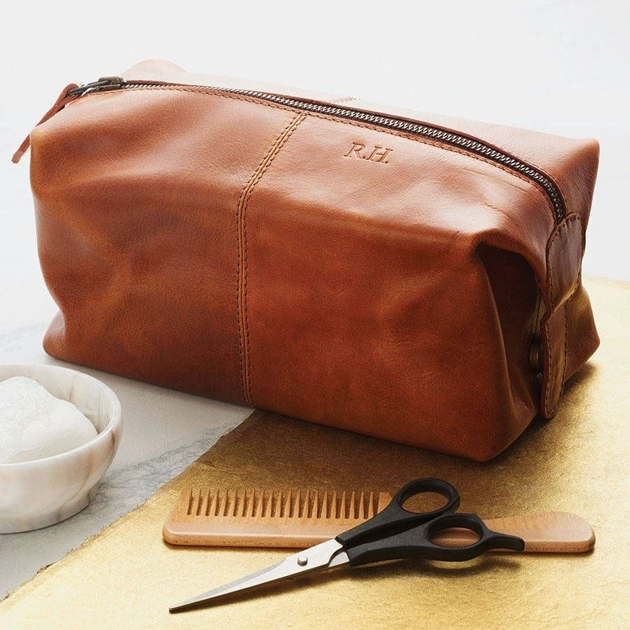 10 Amazing Leather Anniversary Gift Ideas For Him