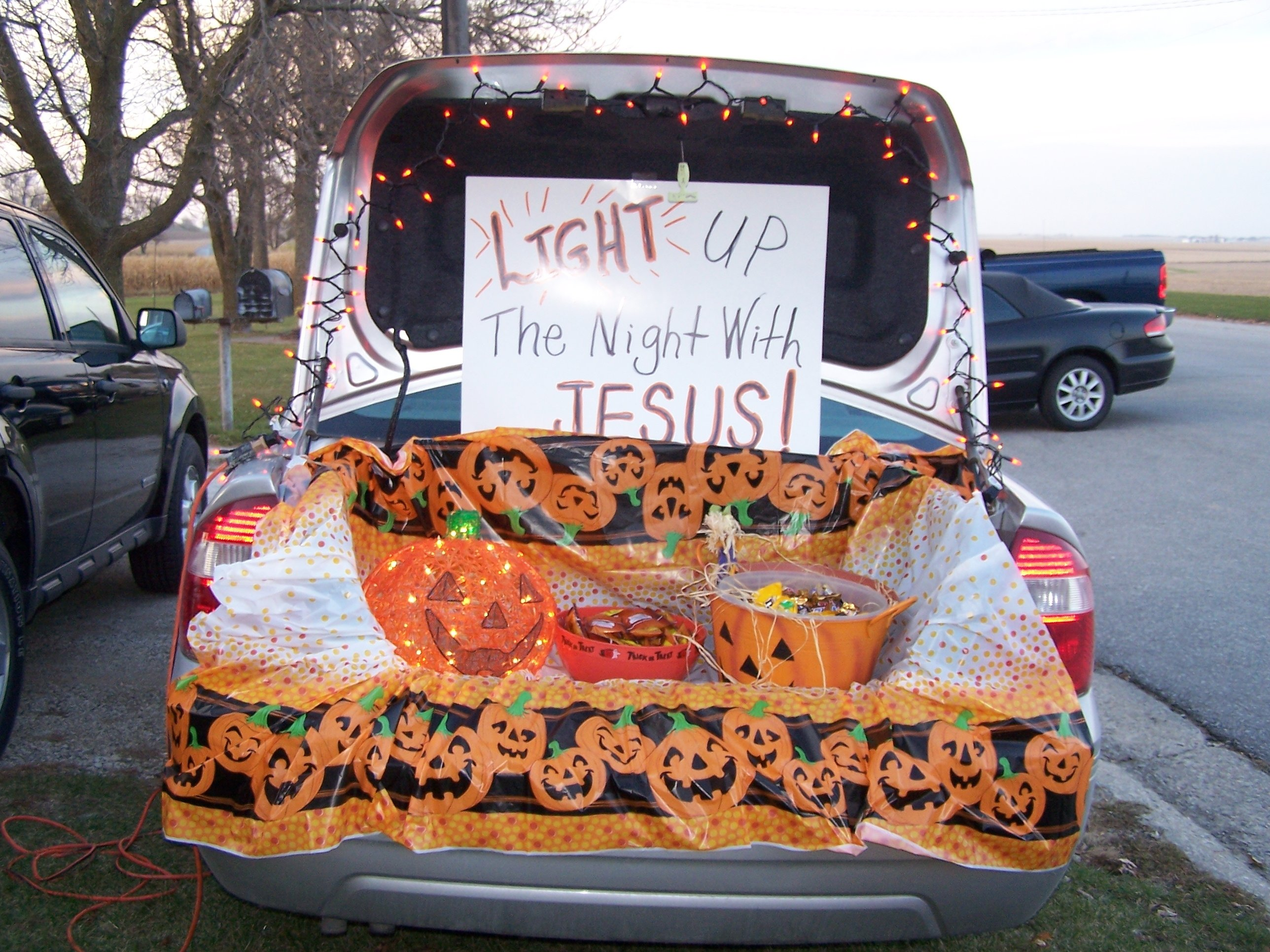 10 Unique Ideas For Trunk Or Treat At Church light the night trunk or treat bethesda baptist church muscogee moms