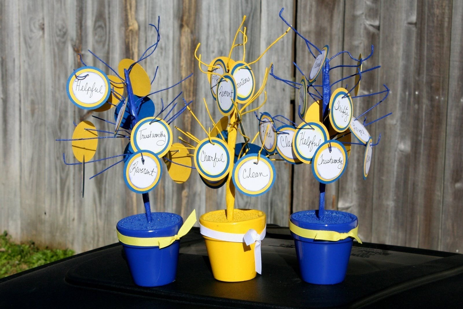 10 Fantastic Cub Scout Blue And Gold Ideas lindylu designs cub scout blue and gold banquet centerpieces spray