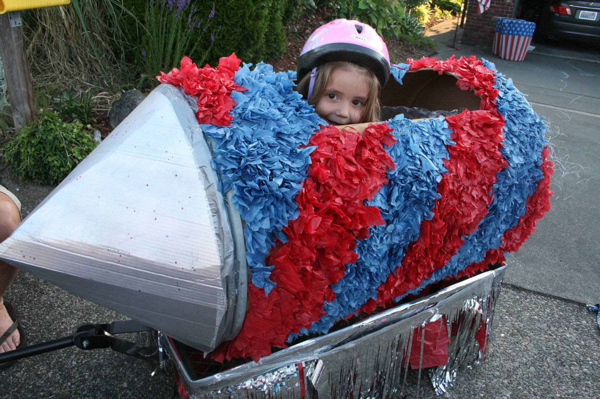 10 Spectacular Fourth Of July Float Ideas links for parade floats and decorating fourth of july parade on 1 2021