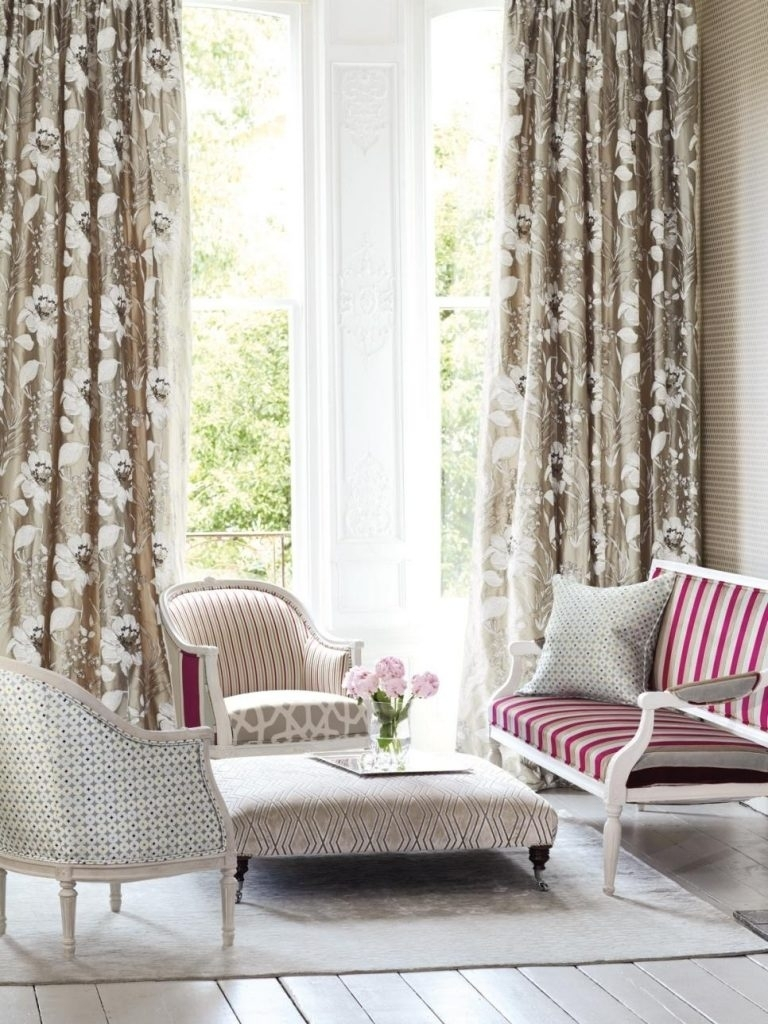 10 Spectacular Drapery Ideas For Living Room %name 2020