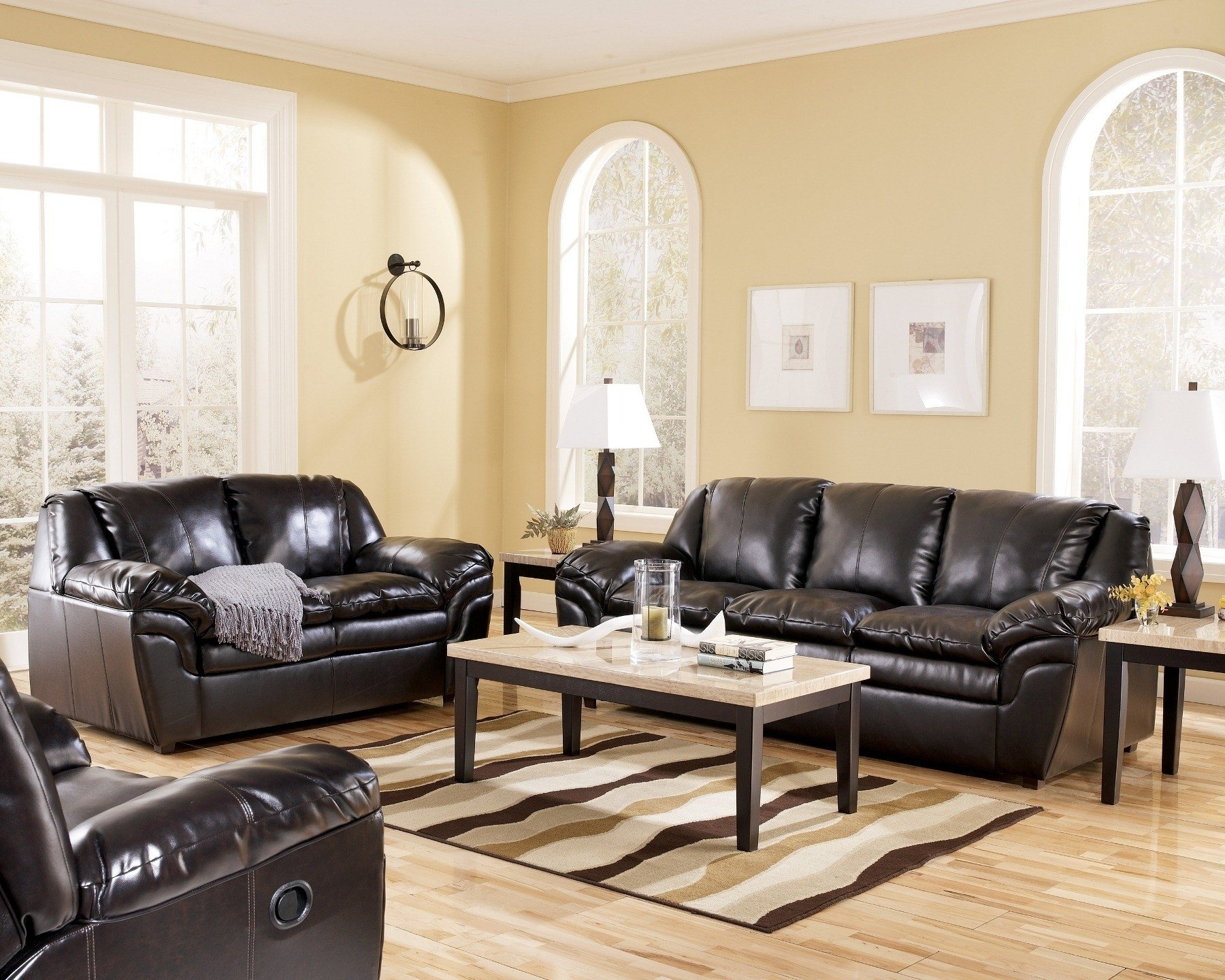 10 Lovable Leather Sofa Living Room Ideas living room living room decorating ideas with brown leather sofa 2021