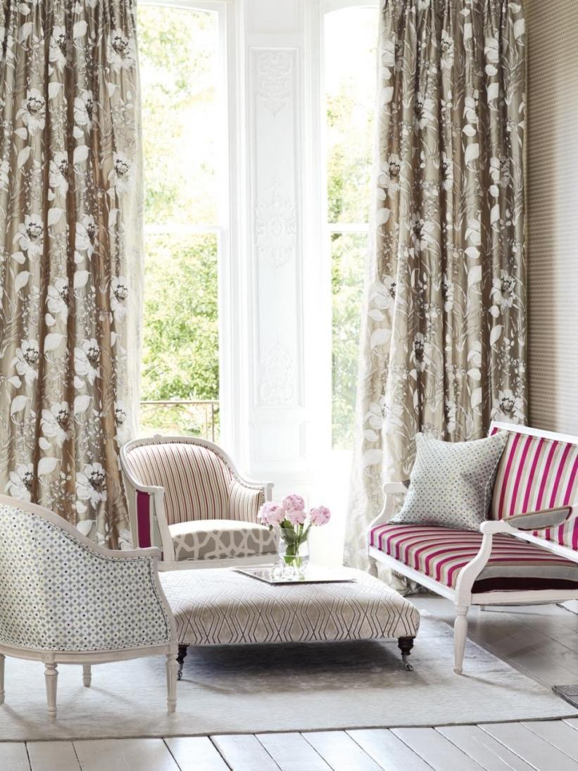 10 Cute Living Room Window Treatment Ideas %name 2020