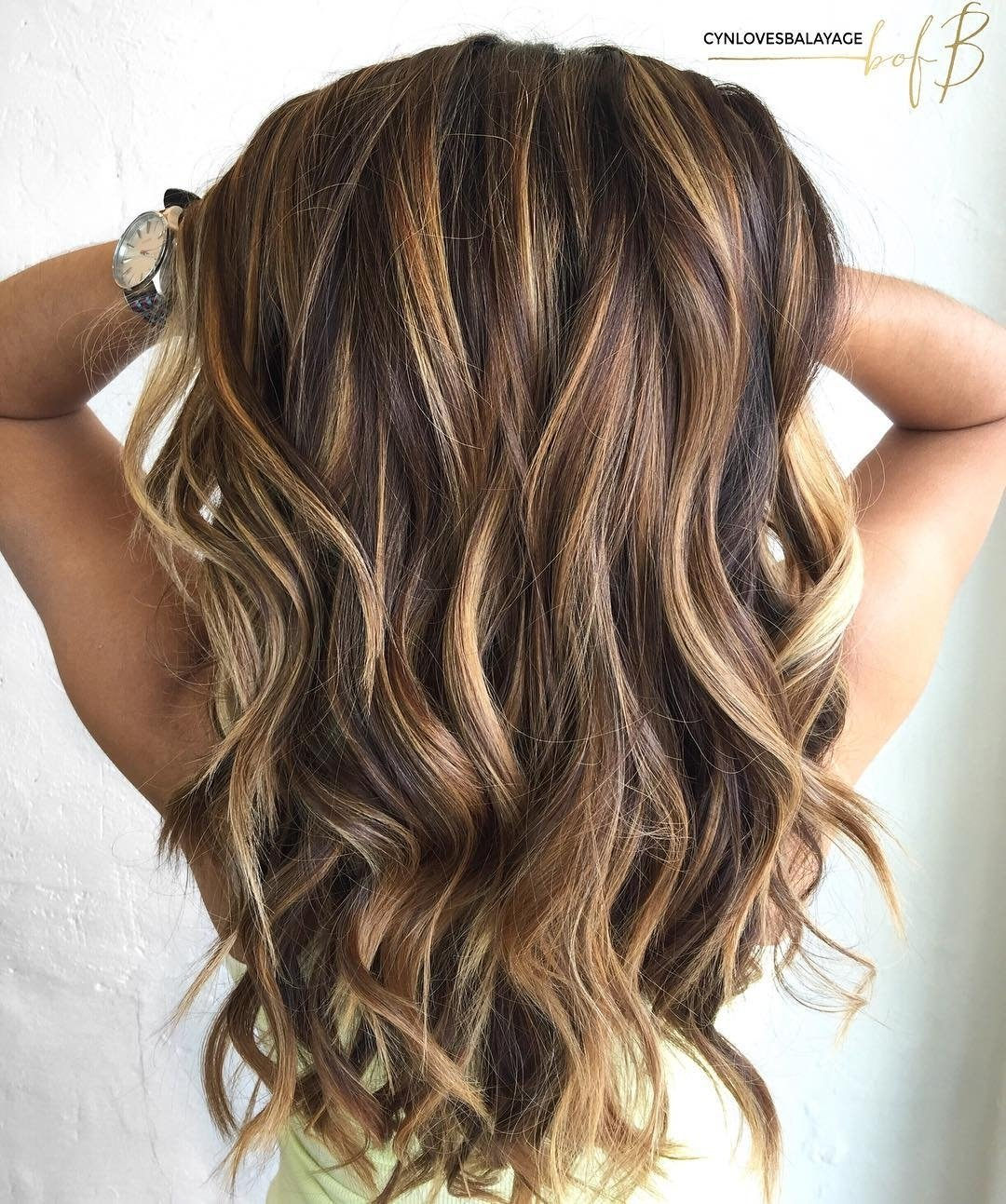 10 Stunning Hair Color With Highlights Ideas looks with caramel highlights on brown and dark brown hair 5 2020