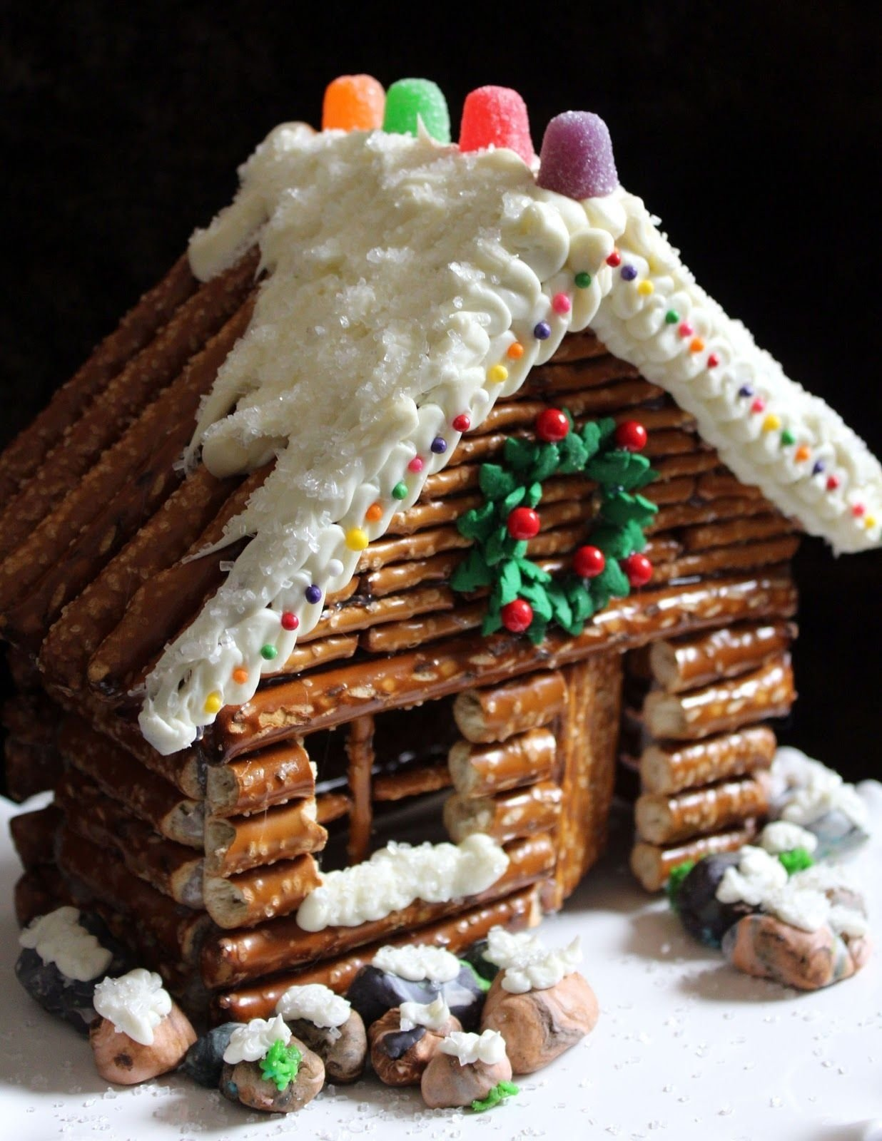 love this idea instead of graham cracker christmas houses at school