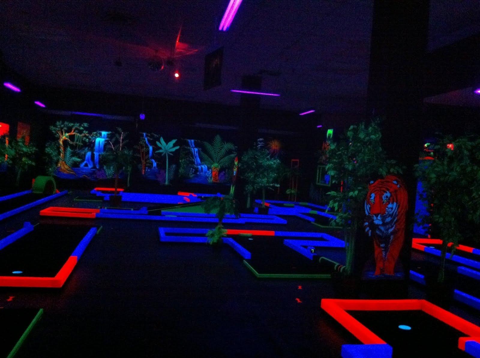 10 Stylish Glow In The Dark Room Ideas lovely glow in the dark room decor design idea and decors 2020