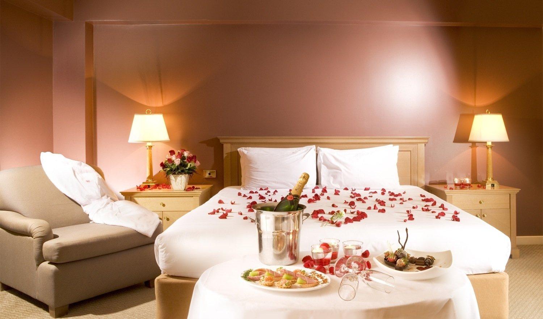 10 Unique Romantic Bedroom Ideas For Valentines Day luxurious romantic bedroom decorating ideas for valentines day 2020