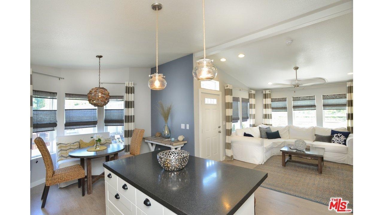 10 Unique Decorating Ideas For Mobile Homes