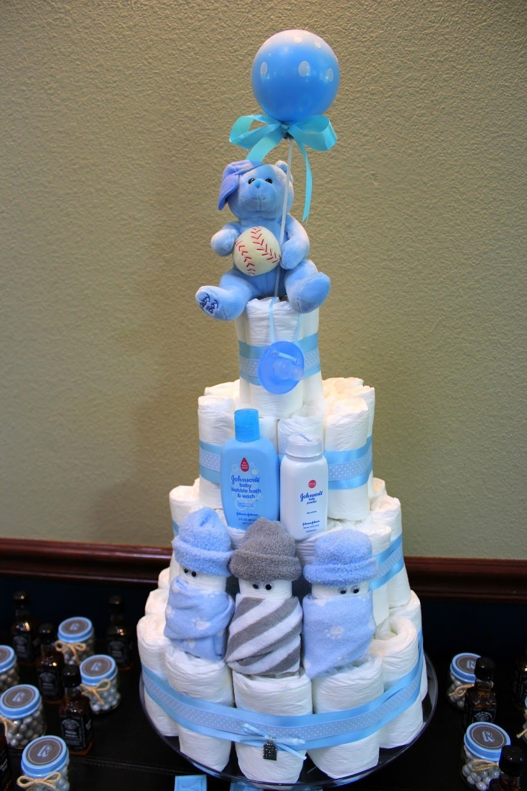 10 Cute Diaper Cake Ideas For Baby Boy mama mou diy shower decor