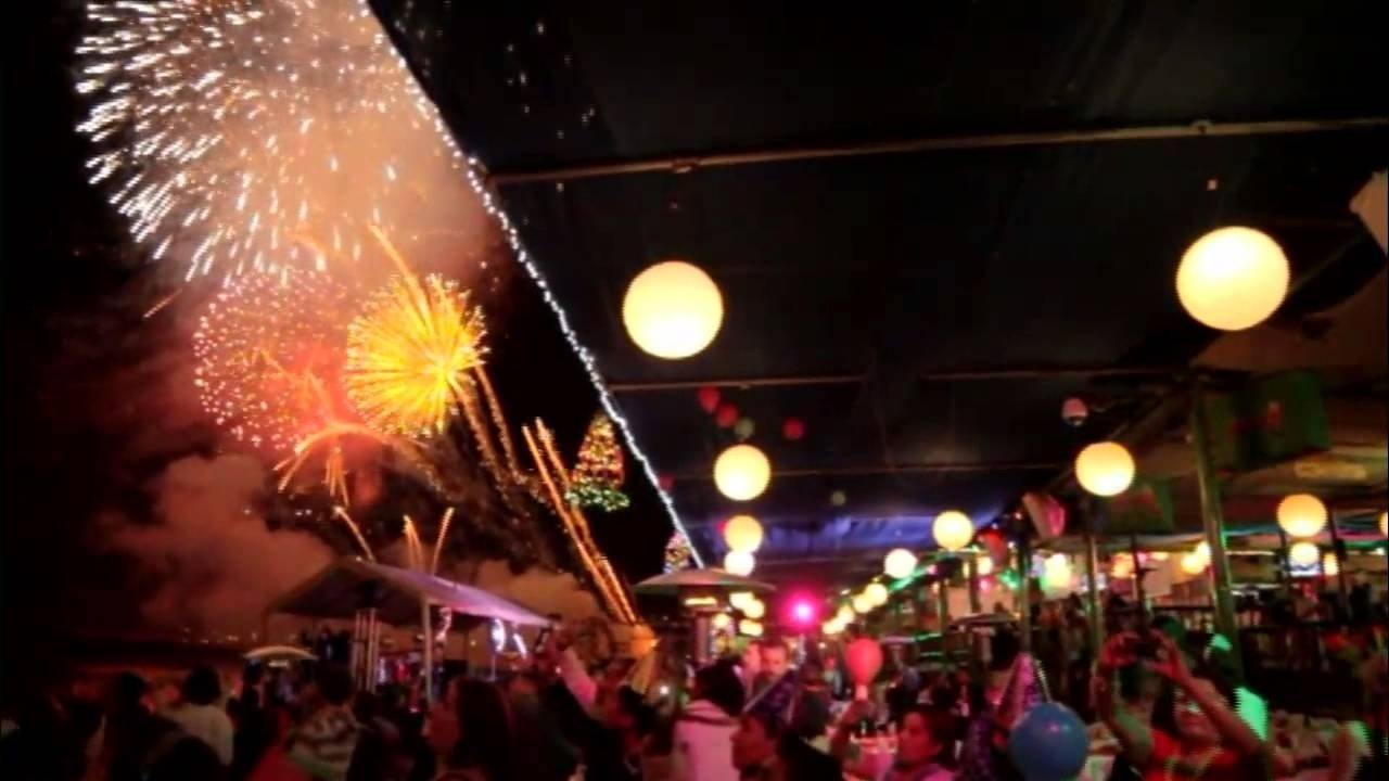 10 Lovely New Years Eve Ideas 2013 mango deck restaurant new years eve party 2013 cabo san lucas 2020