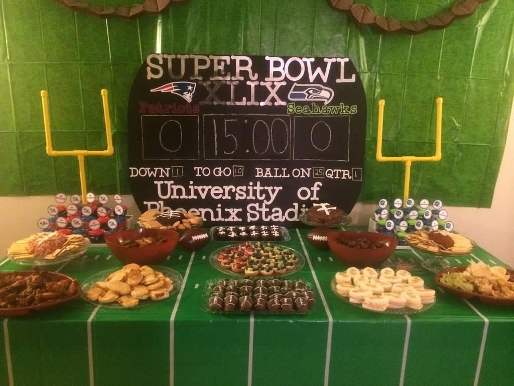 10 Amazing Super Bowl Party Decorating Ideas manic mama miles super bowl football party decorations