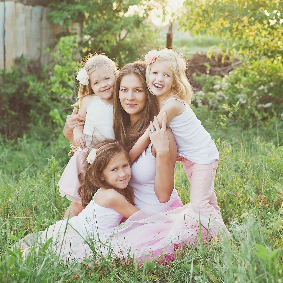 10 Spectacular Mother And Daughter Picture Ideas me and the girls love the light in this pic maternity newborn 2020