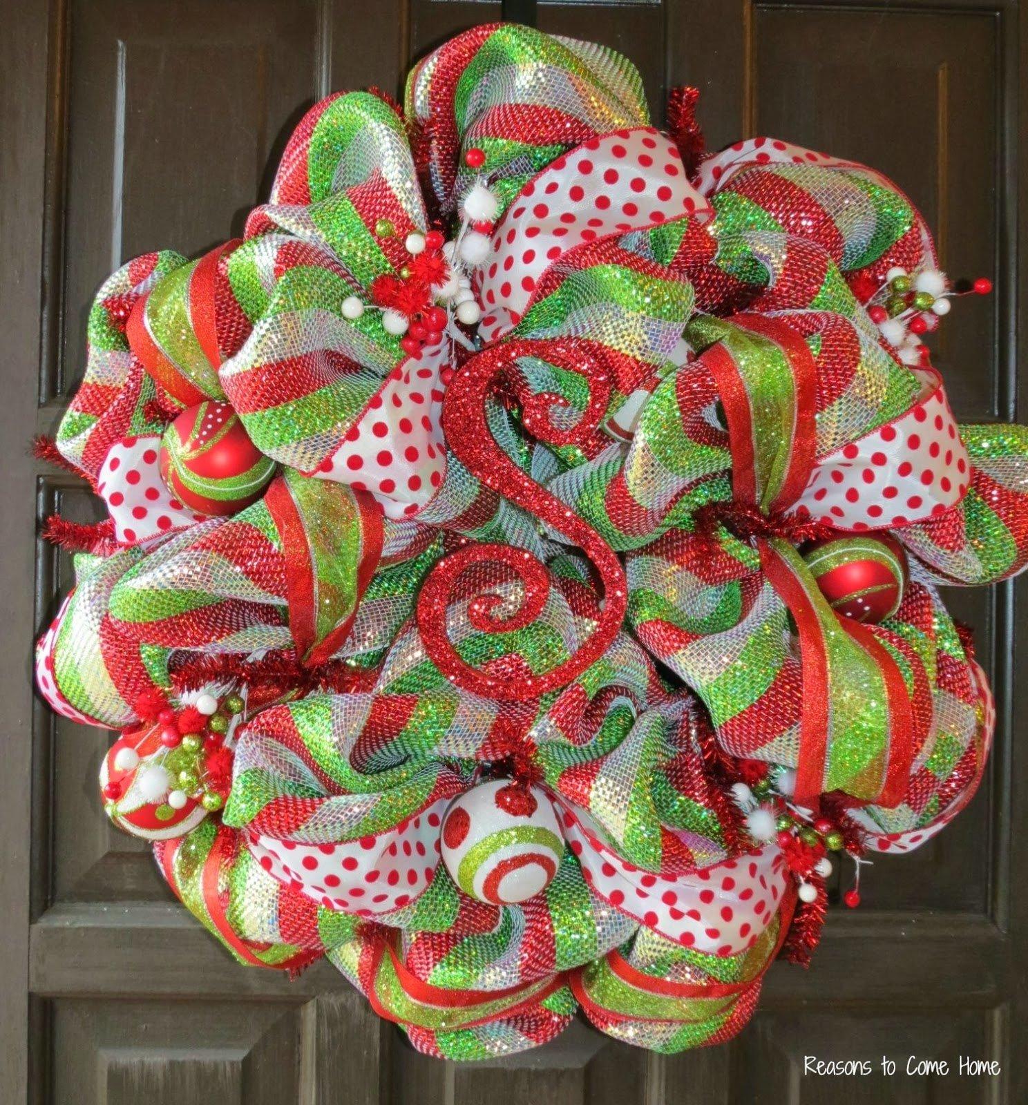 10 Lovely Christmas Deco Mesh Wreath Ideas mesh wreaths 2020