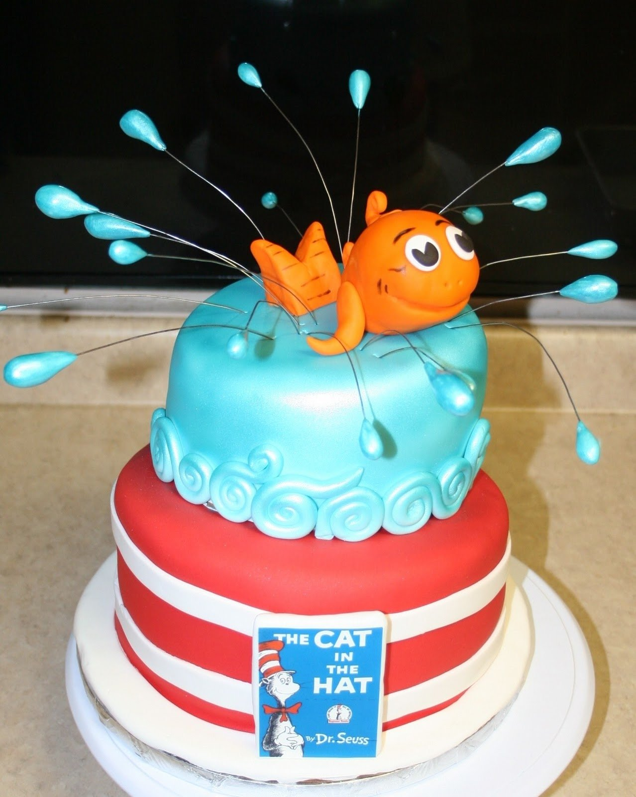 10 Attractive Cat In The Hat Cake Ideas michele robinson cakes the cat in the hat cake