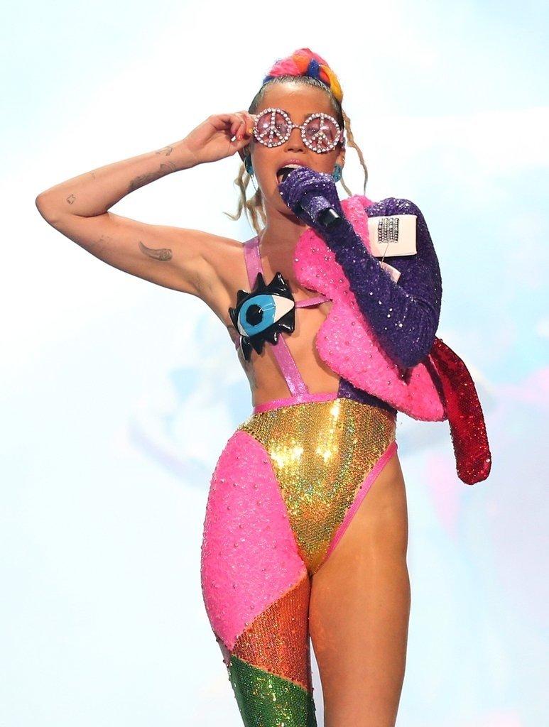 10 Lovable Miley Cyrus Halloween Costume Ideas miley cyrus halloween costume ideas 2015 popsugar celebrity 2021