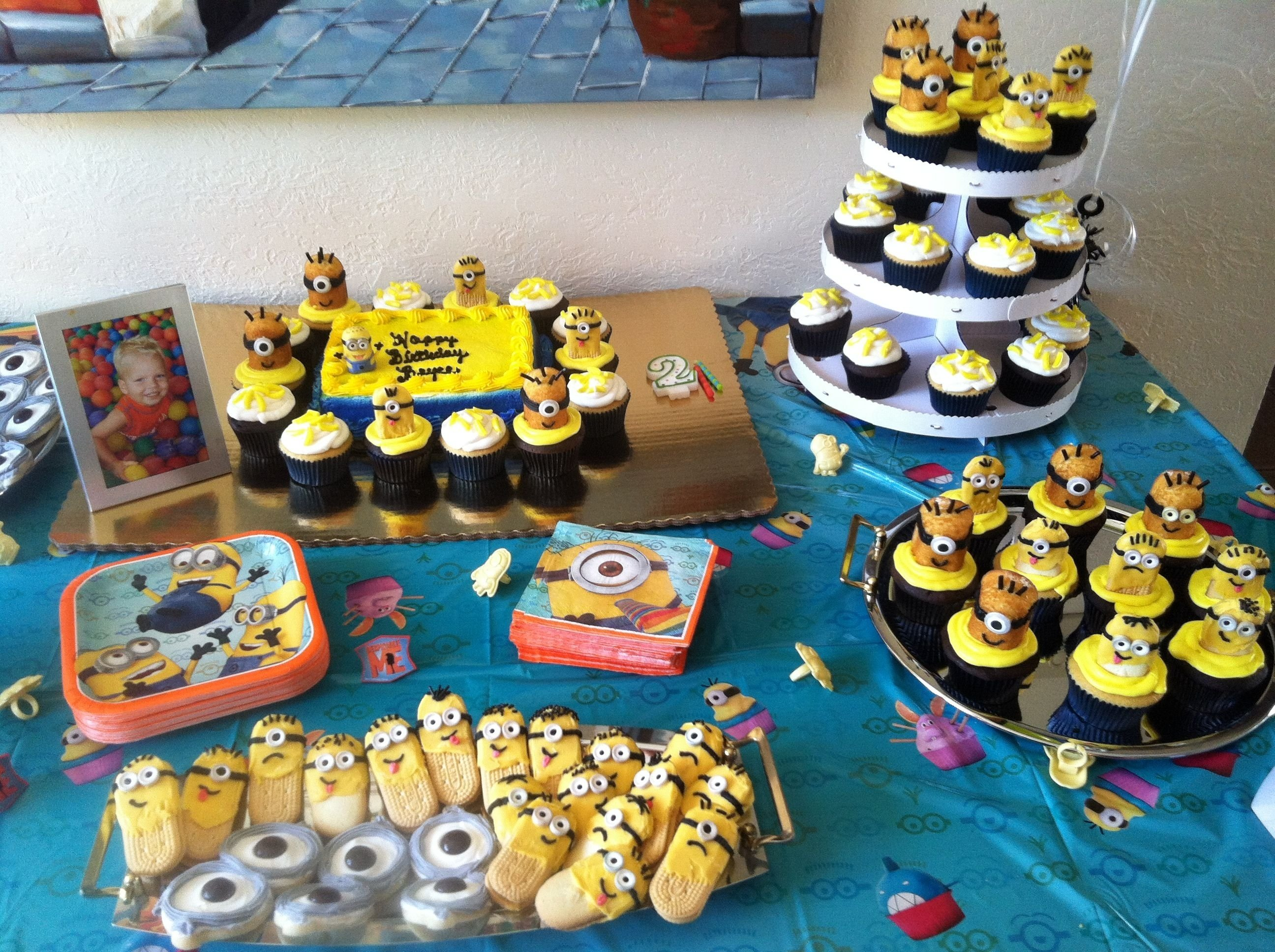 minion birthday bash!!! my 2 year old loved his theme. | birthday