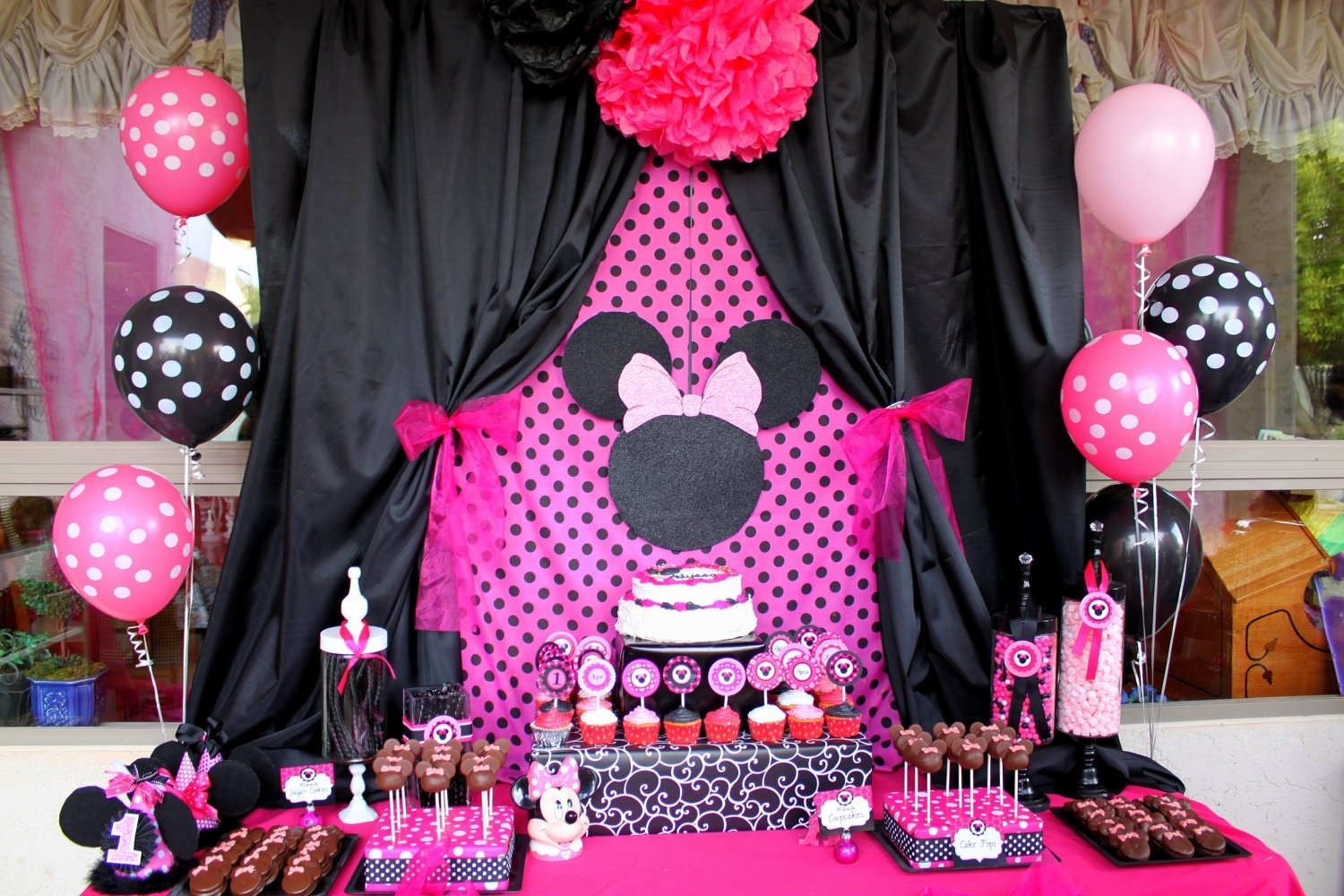 10 Wonderful Minnie Mouse Ideas For Birthday Party minnie mouse birthday decoration ideas minnie mouse decoration 1