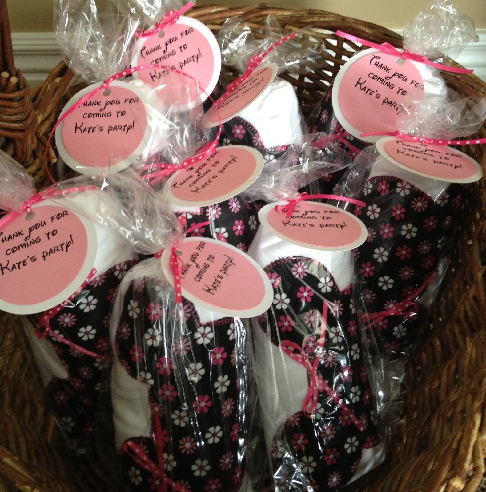 10 Spectacular Minnie Mouse Party Favors Ideas
