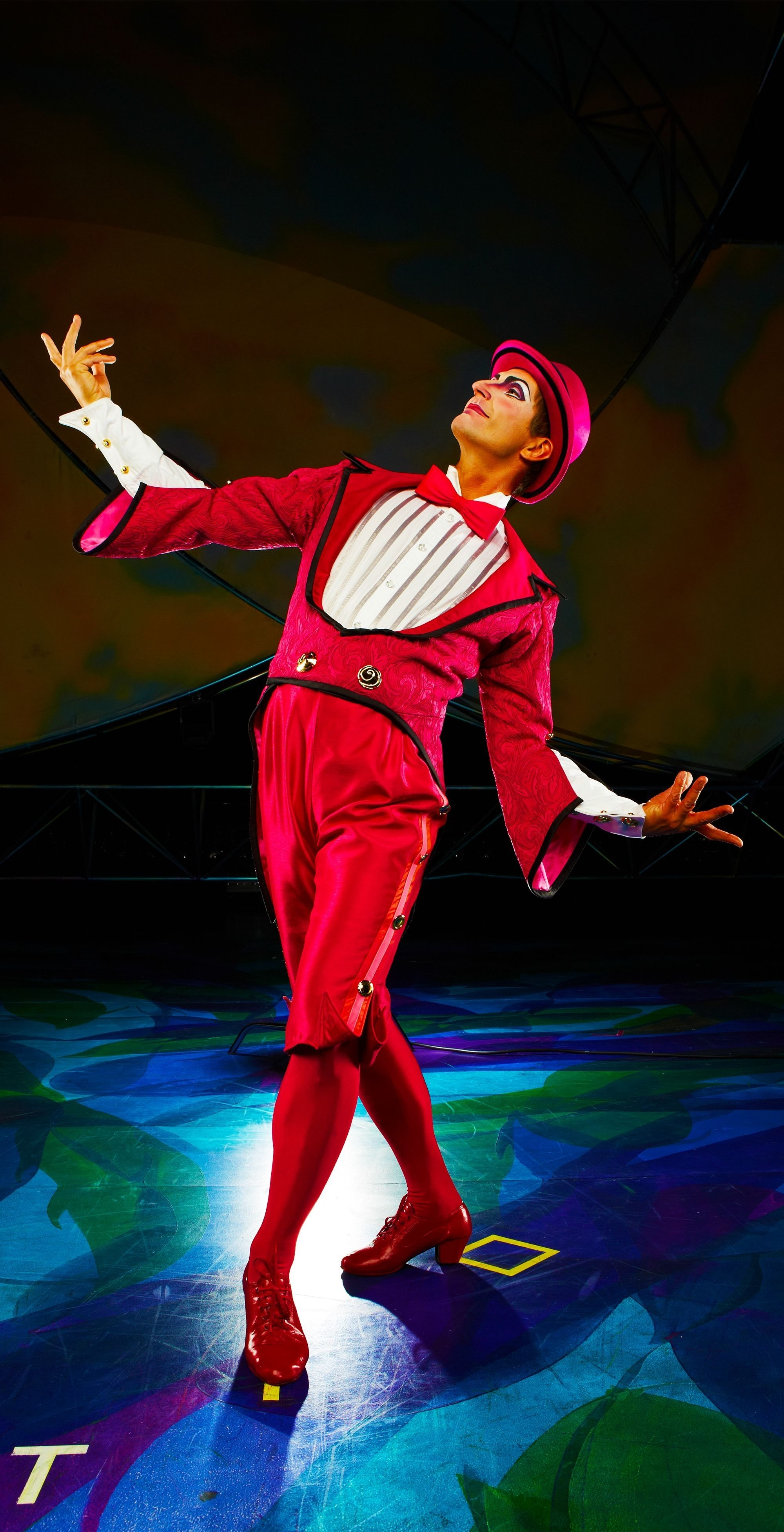 10 Famous Cirque Du Soleil Costume Ideas moha samedi expects you to take him seriously mysterecirque 2021
