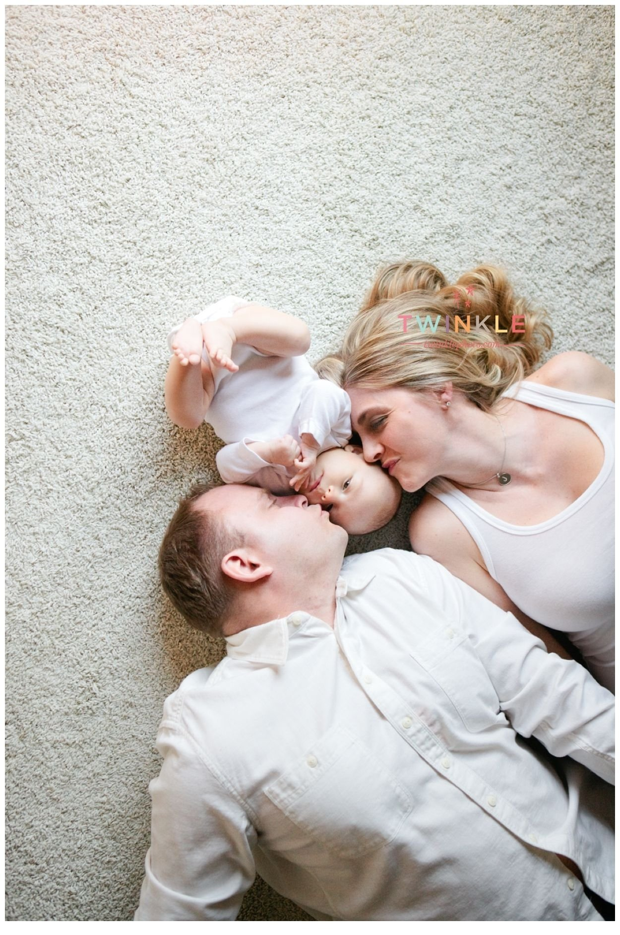 mom and dad with 3 month old boy www.twinklephoto | photography