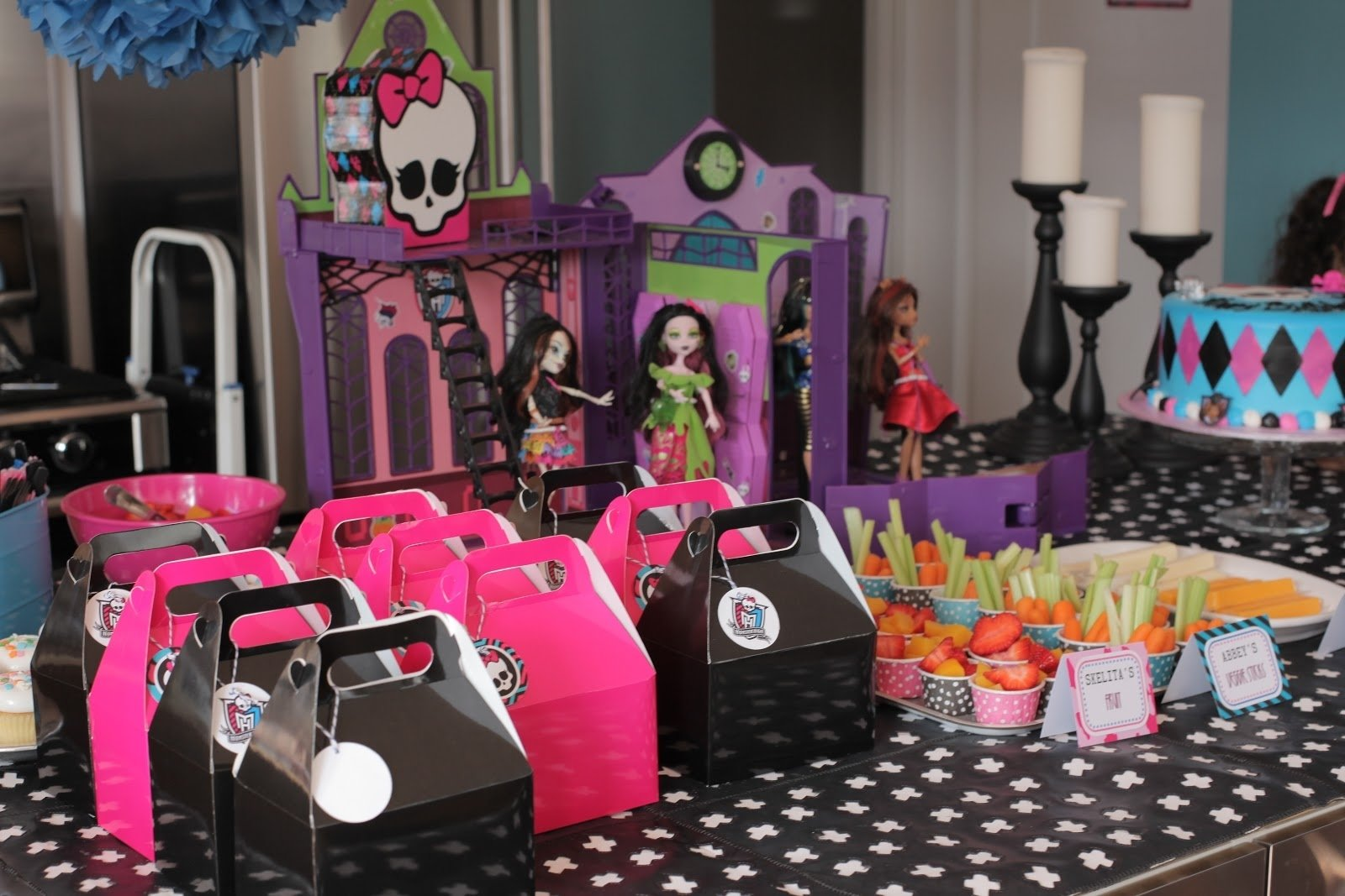 monster high birthday | neighborhood kids: ava's 7th monster high