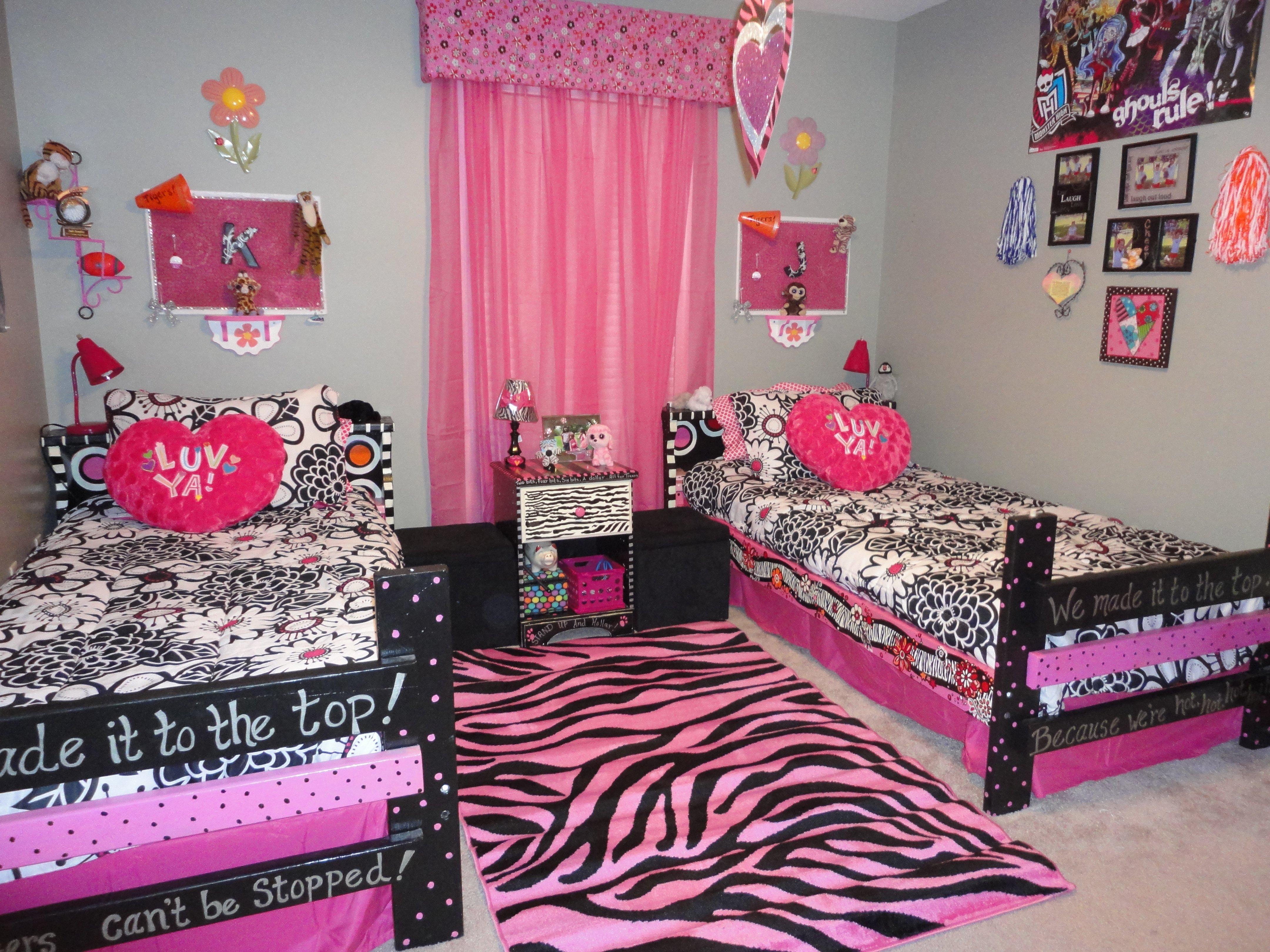 10 Trendy Monster High Bedroom Decorating Ideas monster high room for girls home decor pinterest monster high