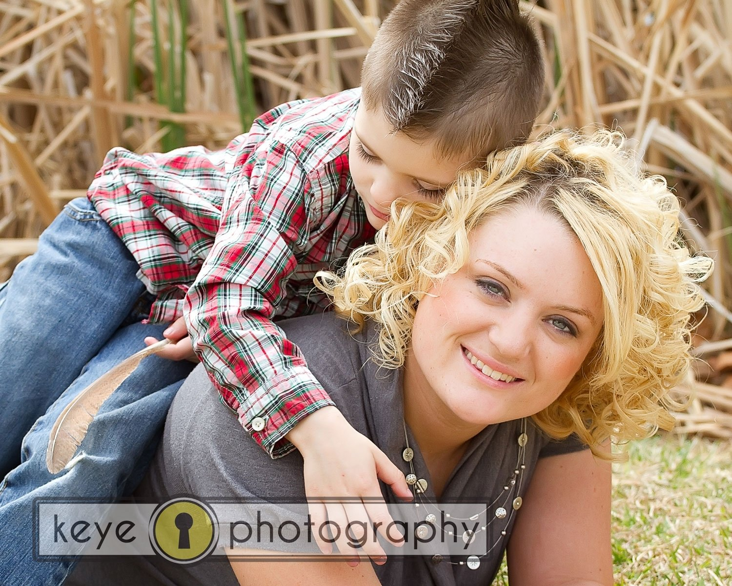 10 Gorgeous Mother And Son Photography Ideas