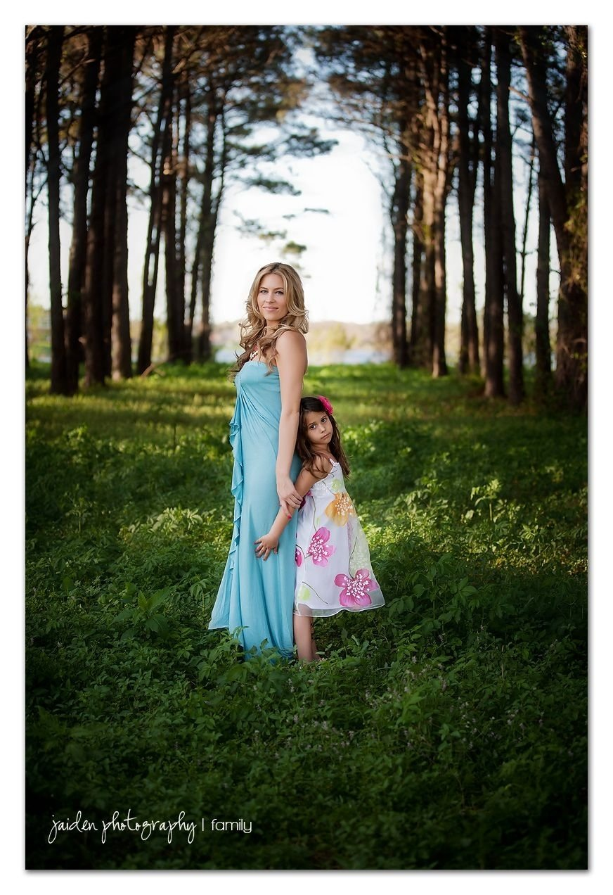 10 Spectacular Mother And Daughter Picture Ideas mother daughter i love it it is so gorgeous photographed 2020