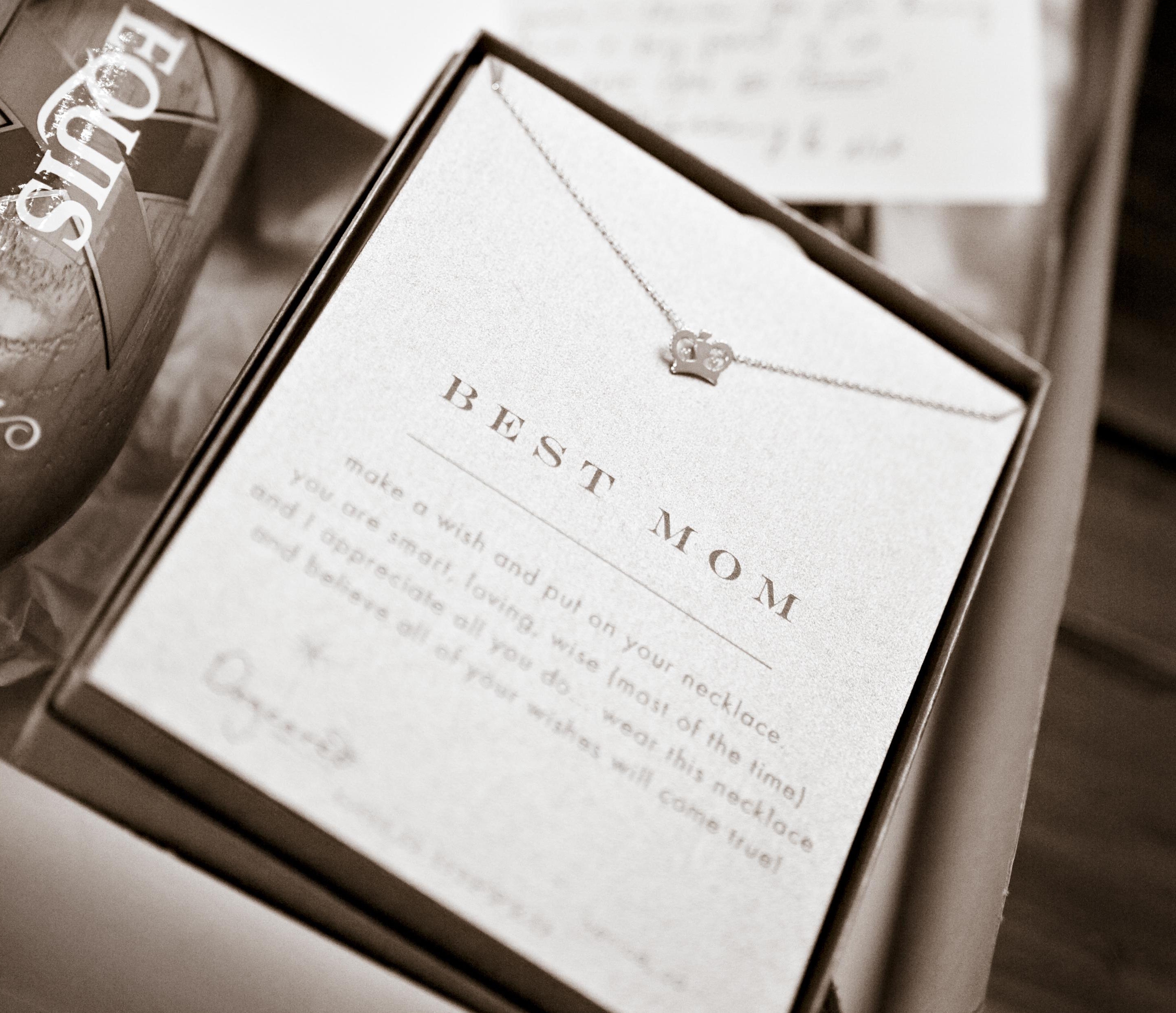 10 Unique Wedding Gift Ideas For Your Bride %name 2020