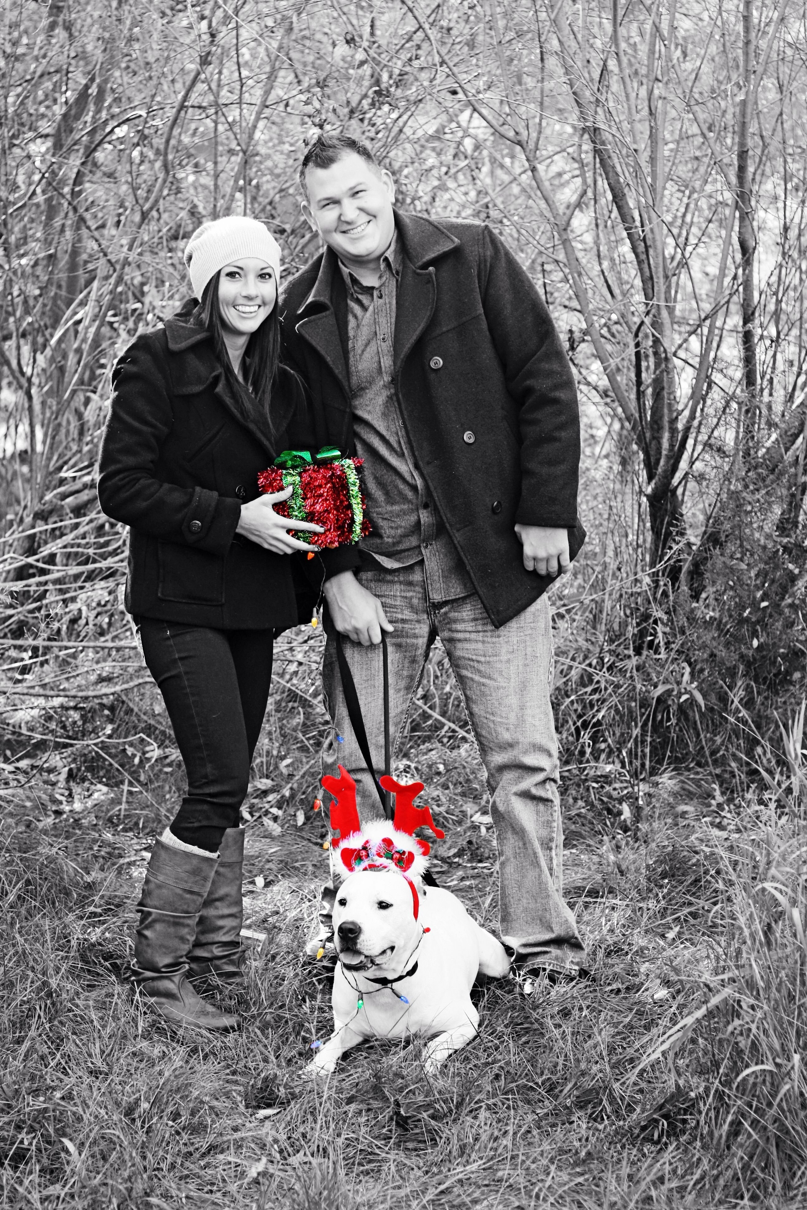 10 Wonderful Cute Couple Christmas Picture Ideas my love couple photo ideas with dog photography couples photos 2 2020