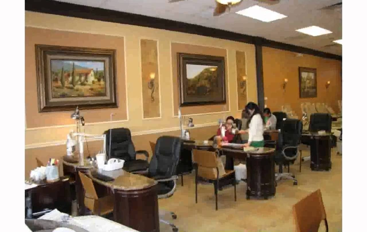 10 Attractive Nail Salon Design Ideas Pictures