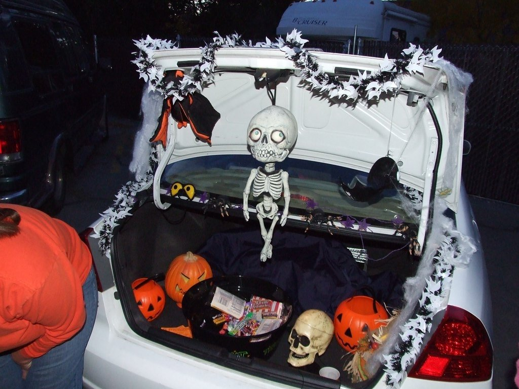 trunk or treat decorating ideas 2. trunk or treat decor trunk or ...