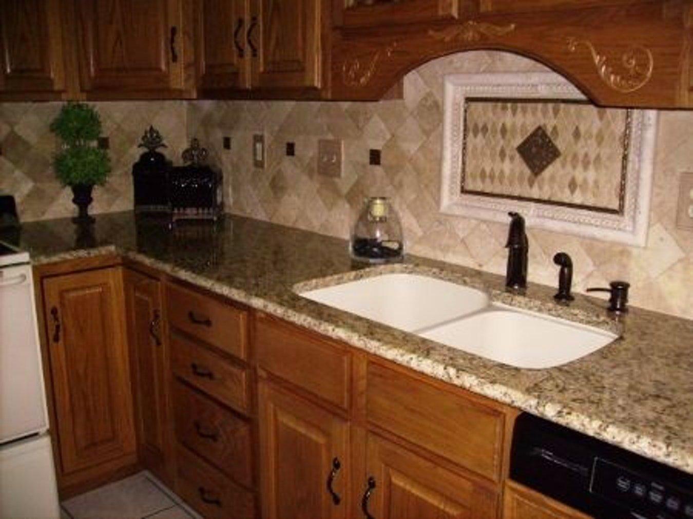 10 Amazing New Venetian Gold Granite Backsplash Ideas new venetian gold granite countertops backsplash tile ideas divine 2021