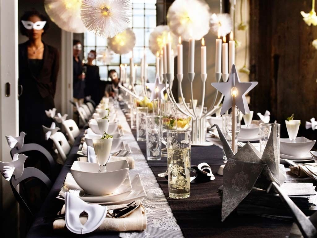 10 Lovable New Years Eve Theme Party Ideas new years eve home party decorating ideas dinner table pure 1 2021