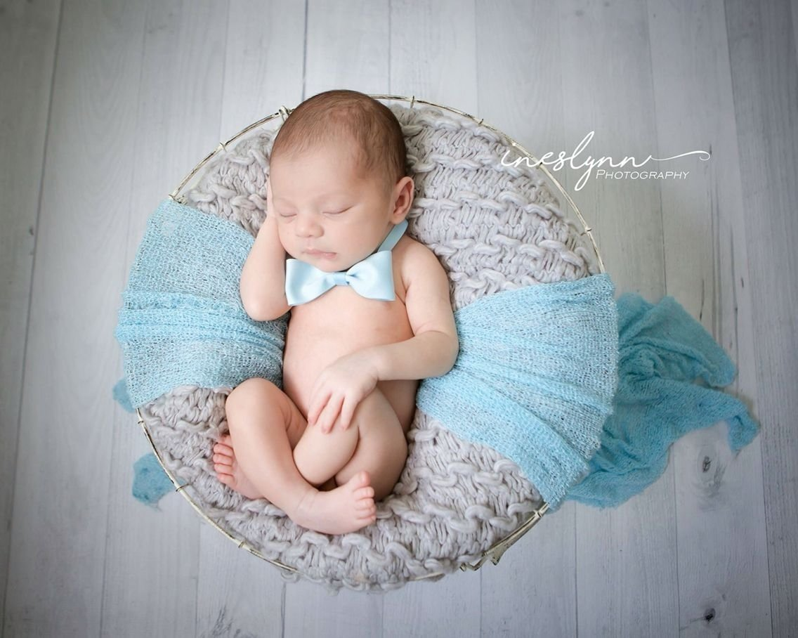 newborn photography. newborn baby boy photos. baby photo idea