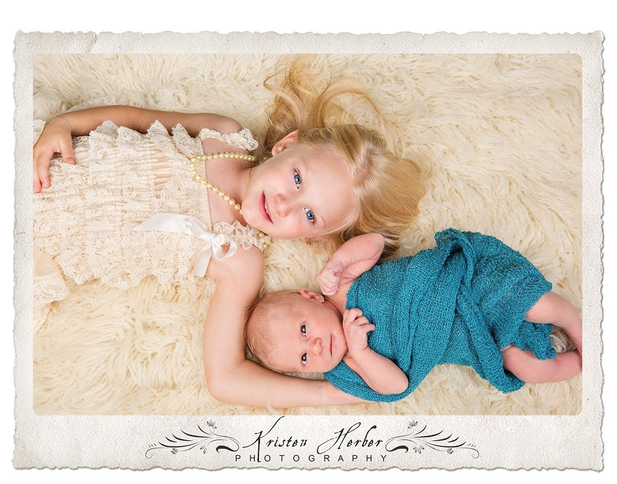 10 Stylish Newborn Photo Ideas With Siblings newborns posing with siblings youtube