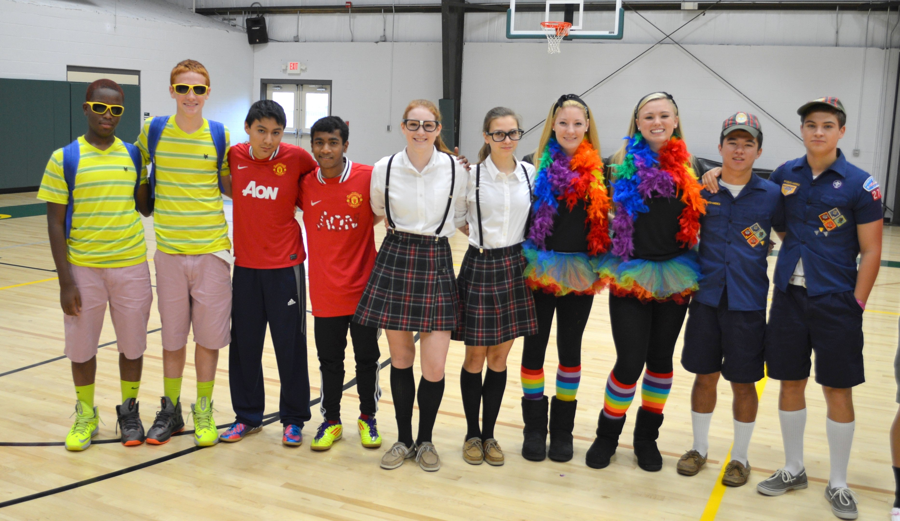 10 Perfect Twin Day Ideas For Spirit Week news post 2 2021