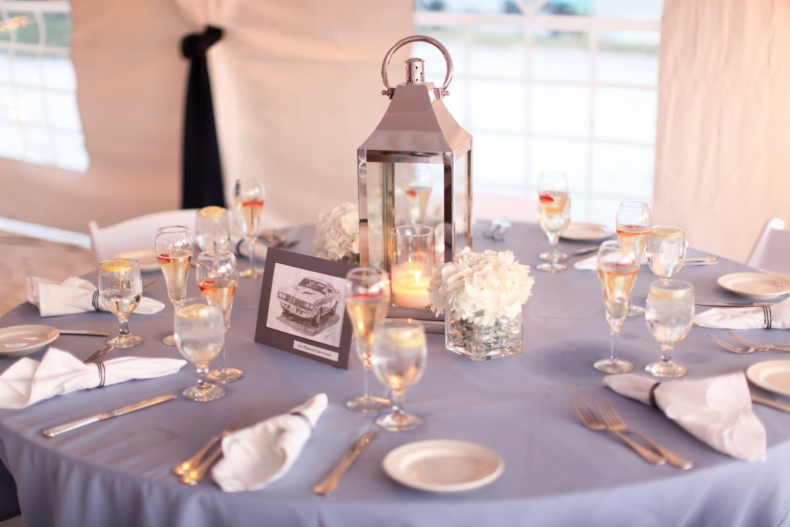 10 Fashionable Wedding Centerpiece Ideas Without Flowers nice lantern with glass candle inside for round wedding table 2020