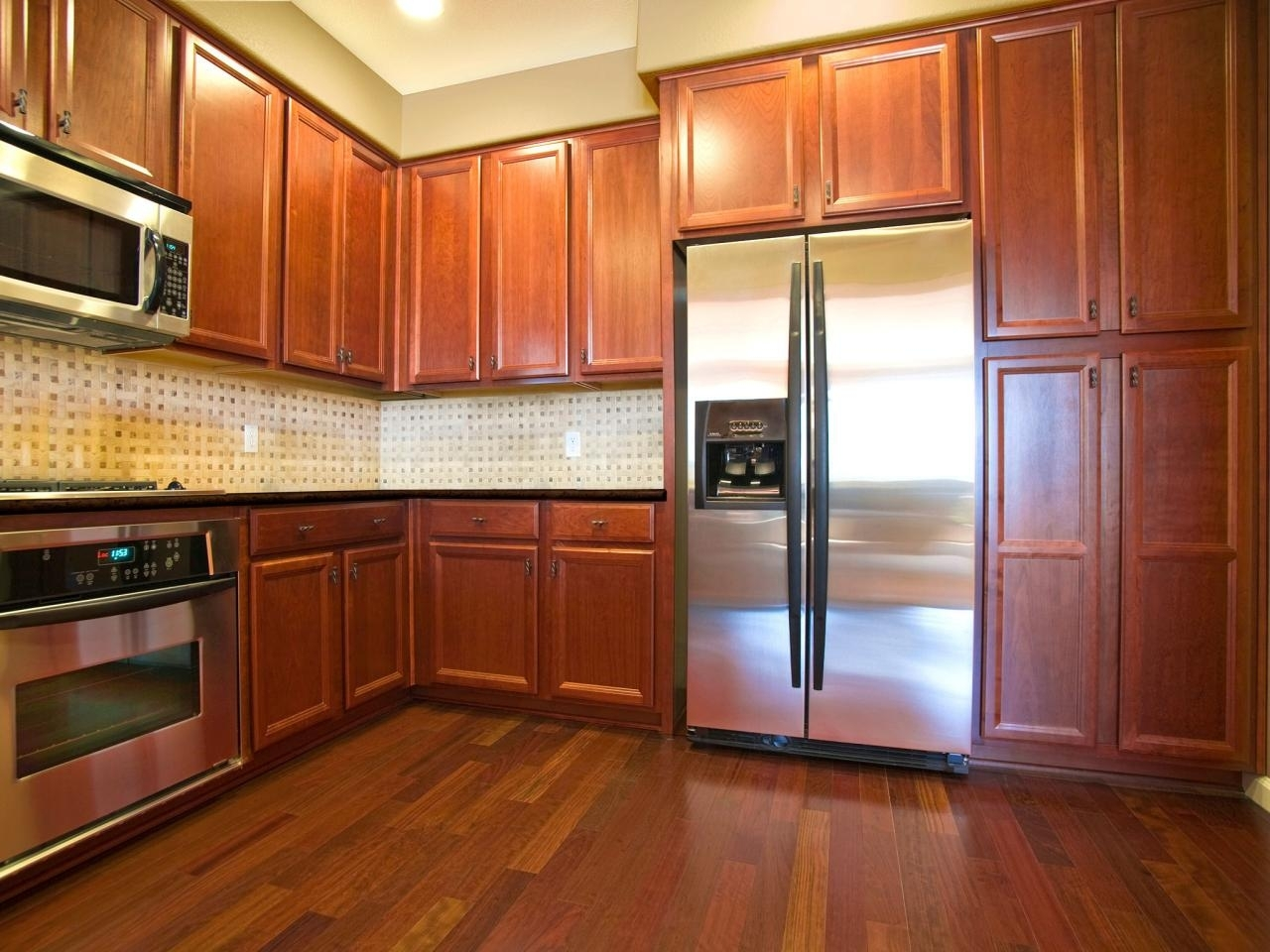 10 Fantastic Kitchen Color Ideas With Oak Cabinets %name 2020